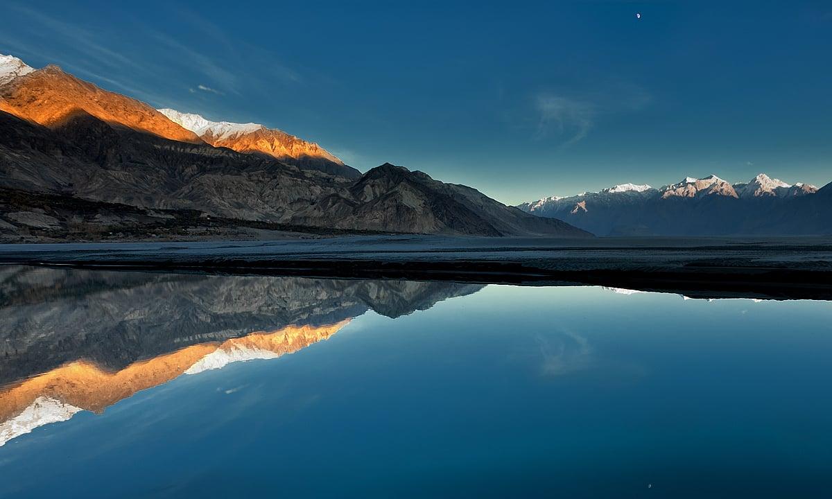 Dusk at Indus river1